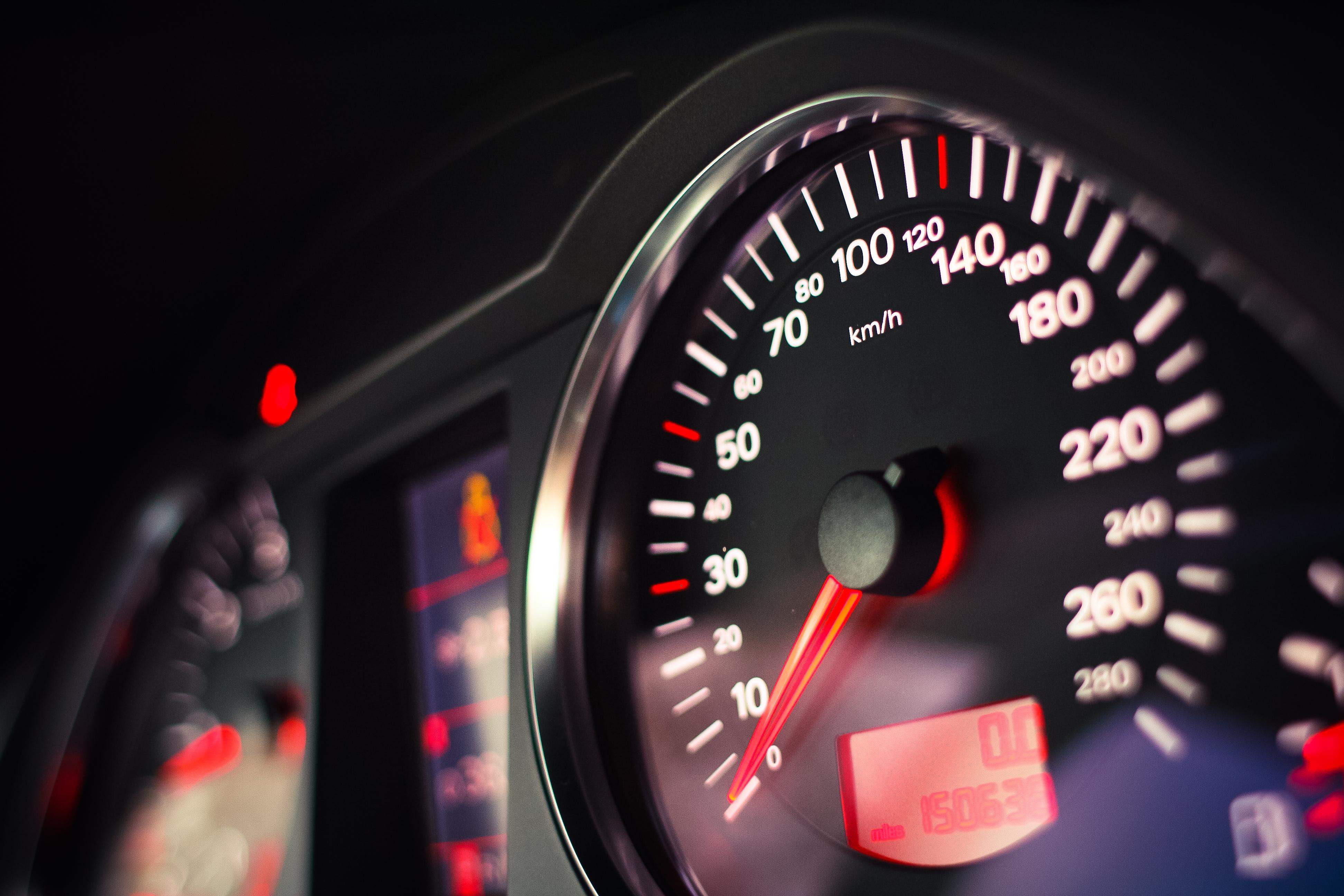 audi-speed-o-meter-picjumbo-com